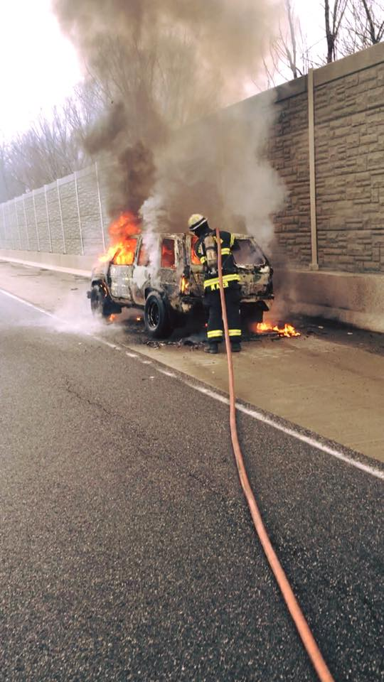 I-69 car fire_171822