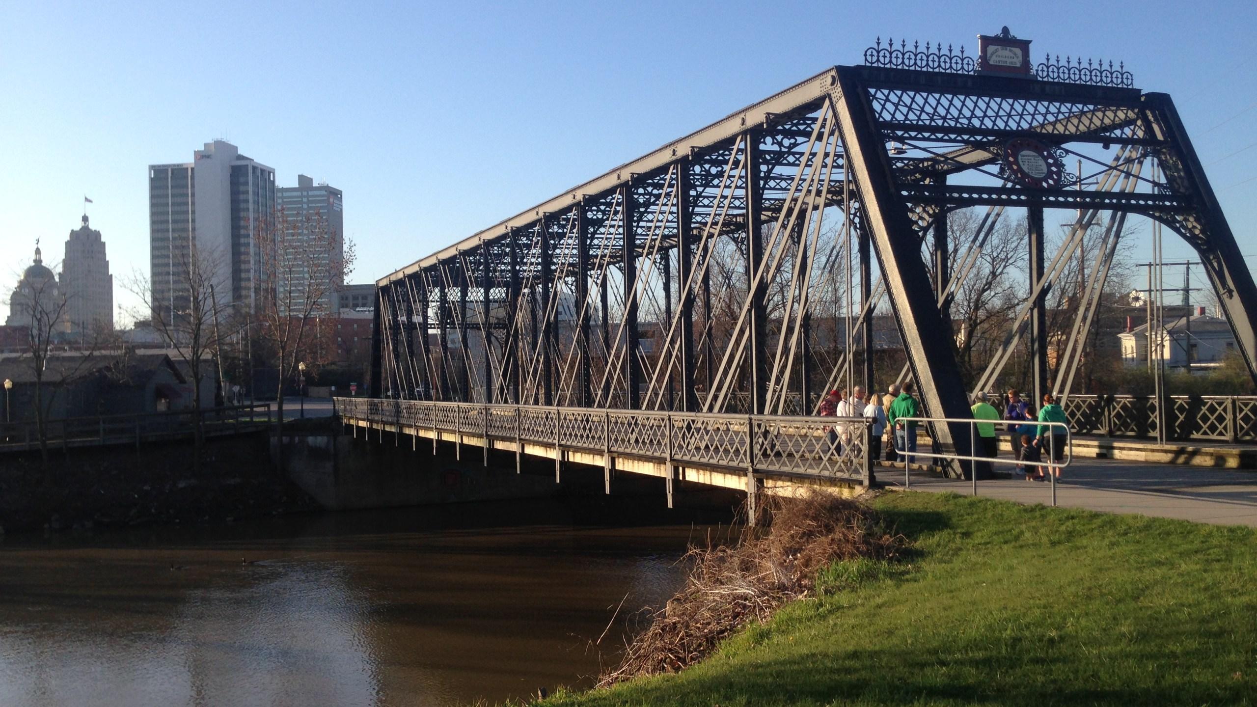 FILE_ Riverfront downtown dtfw wells street bridge river St. Marys_178727