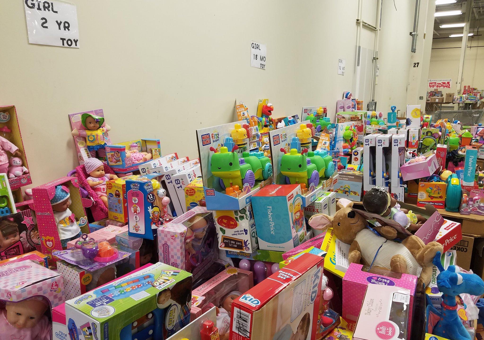 Fort Wayne Marine Toys for Tots_224587