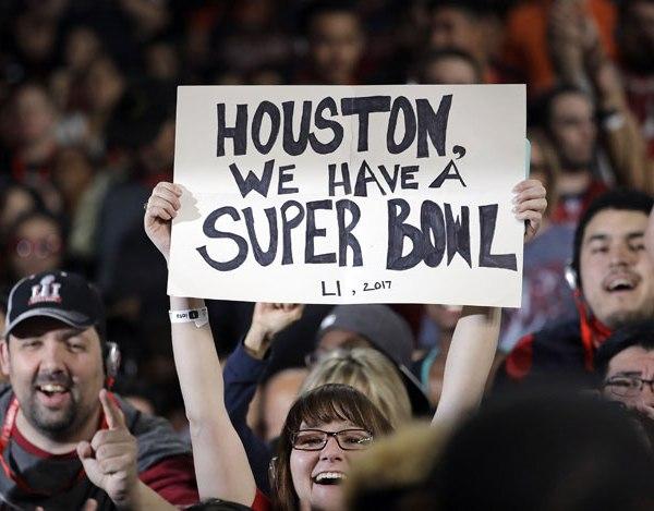 NFL Super Bowl 51 fans_337099