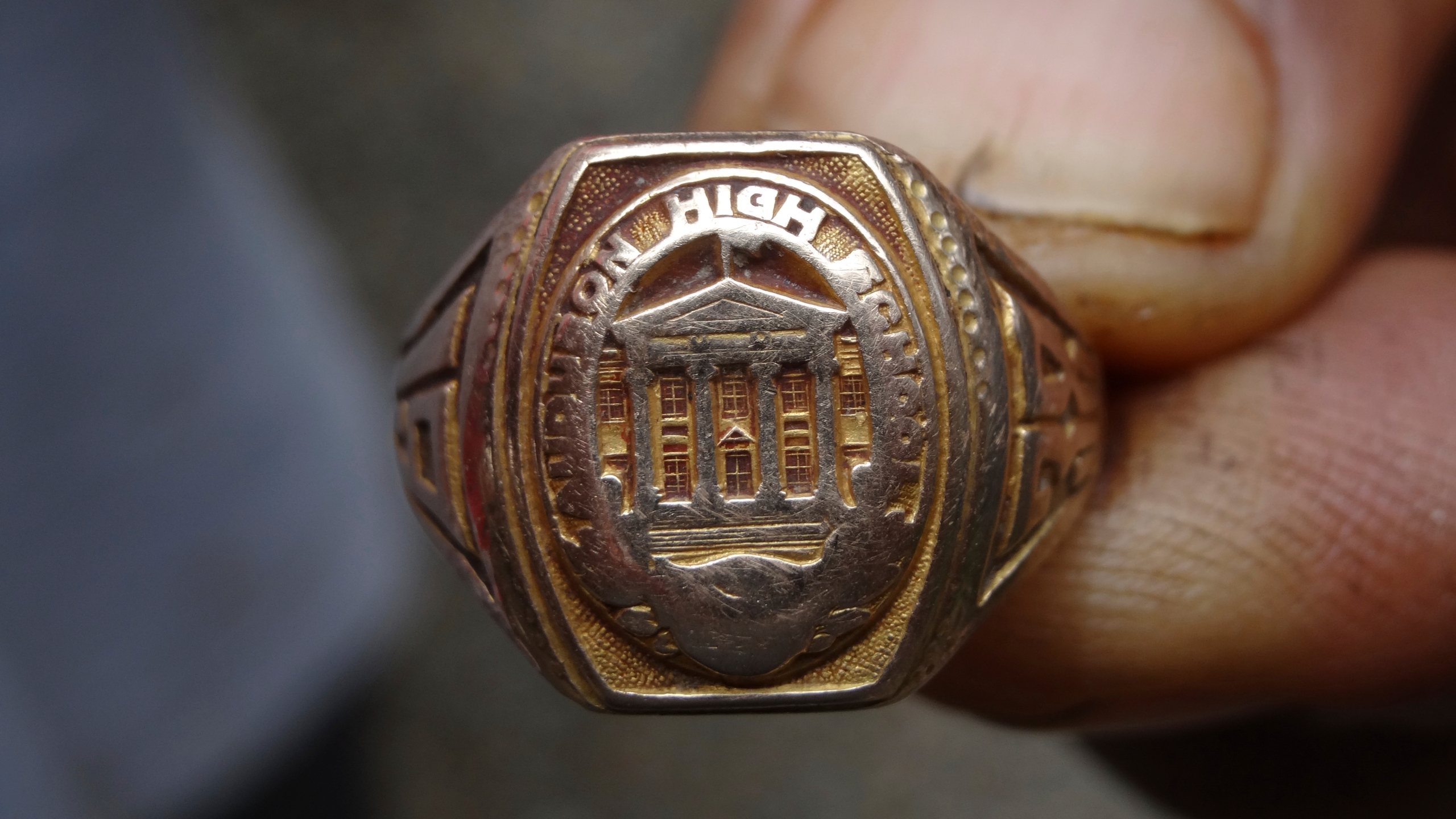 Vets Lost Ring Returned_236723