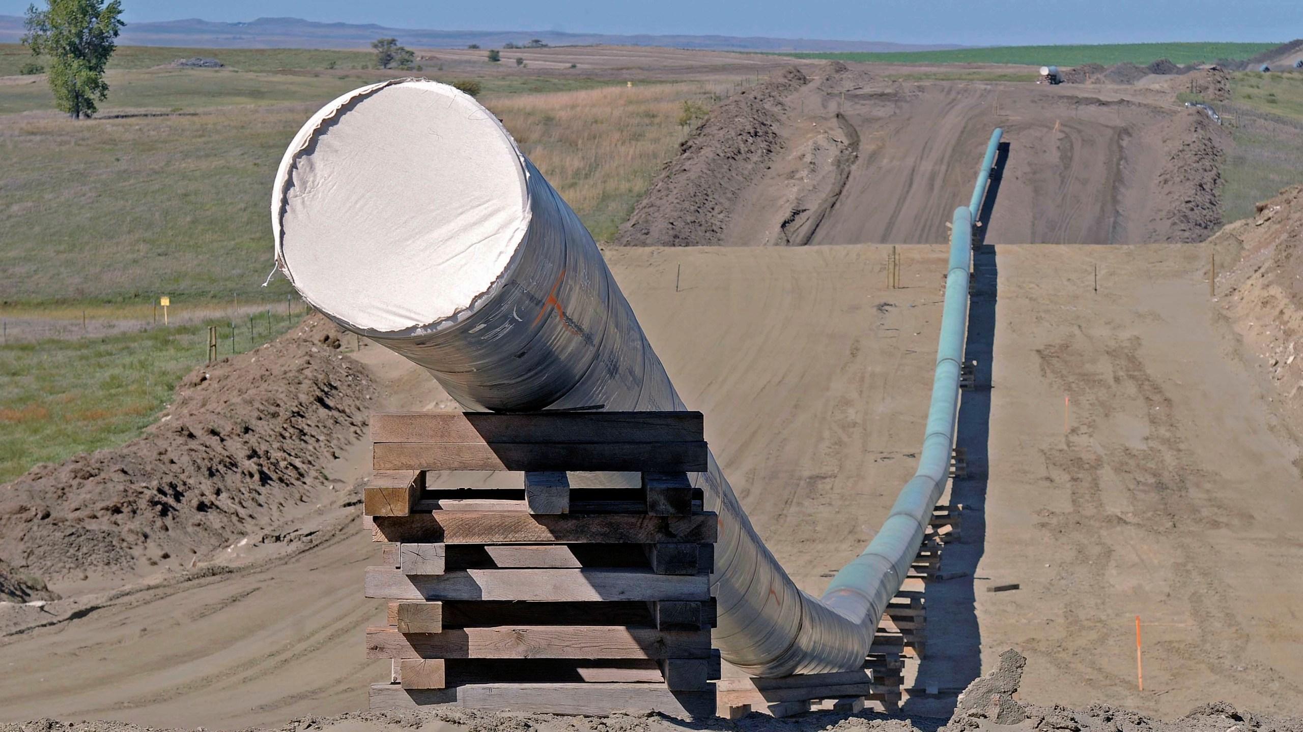 Oil Pipeline_239339