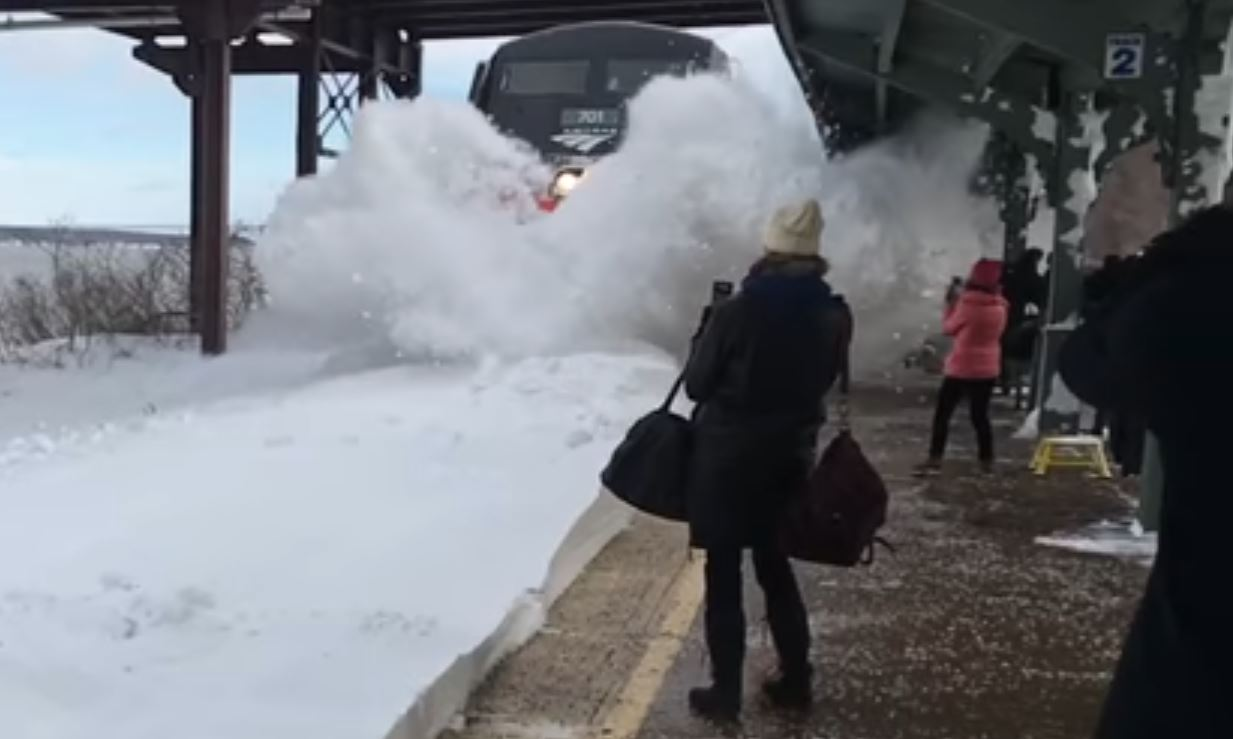 Snow train YouTube_248160