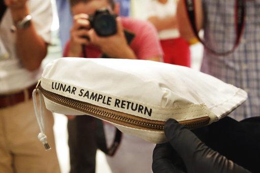 Apollo 11 Contingency Lunar Sample Return Bag_271697