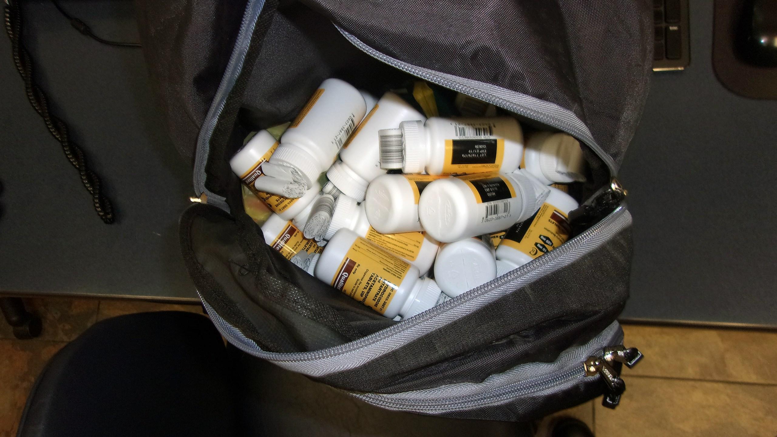 Warsaw CVS pharmacy robbery prescription drugs_271772