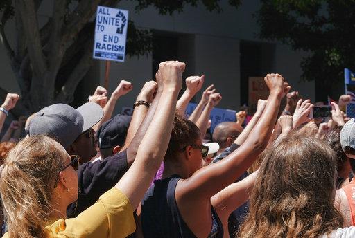 Race Rallies Los Angeles_277560