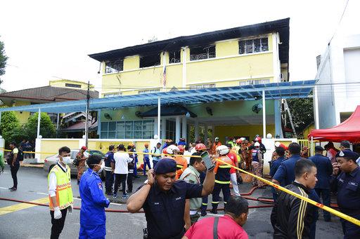 APTOPIX Malaysia Fire_283273