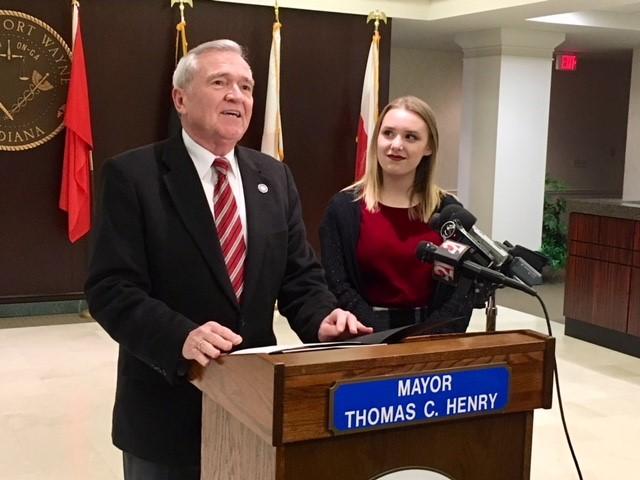 Mayor Tom Henry and Addison Agen_307886