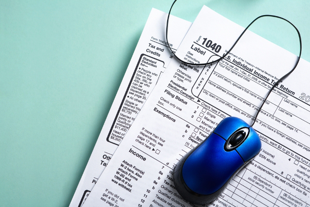 taxes-online-generic-shutterstock2_1522007542784.jpg