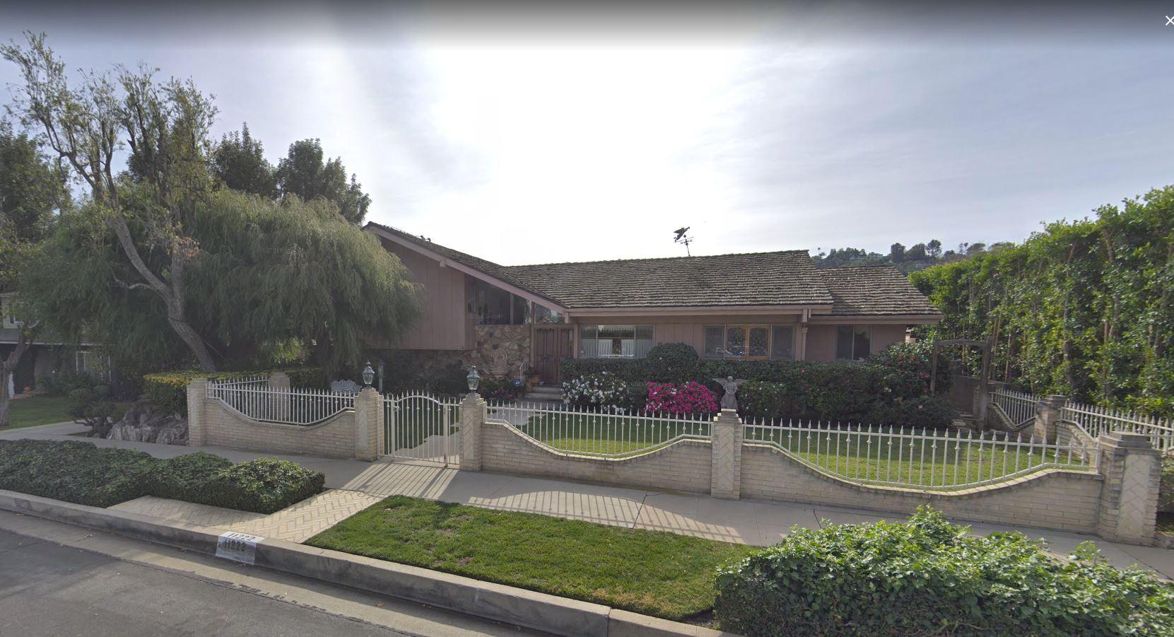 Brady Bunch house_1532013875767.JPG.jpg