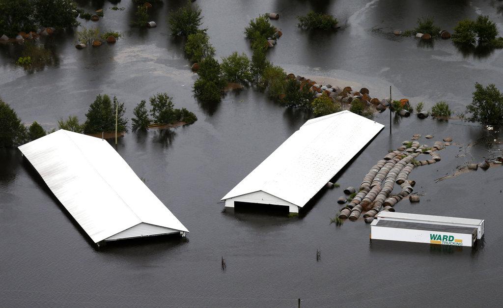 APTOPIX Tropical Weather North Carolina_1537136419700