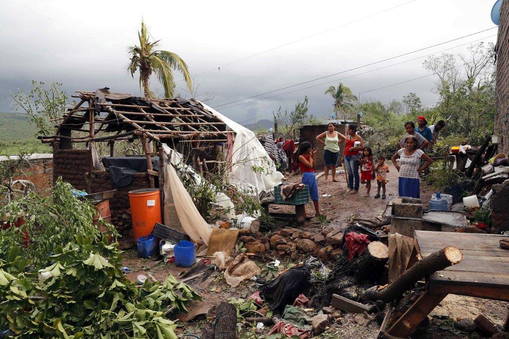 APTOPIX Mexico Tropical Weather_1540408995184