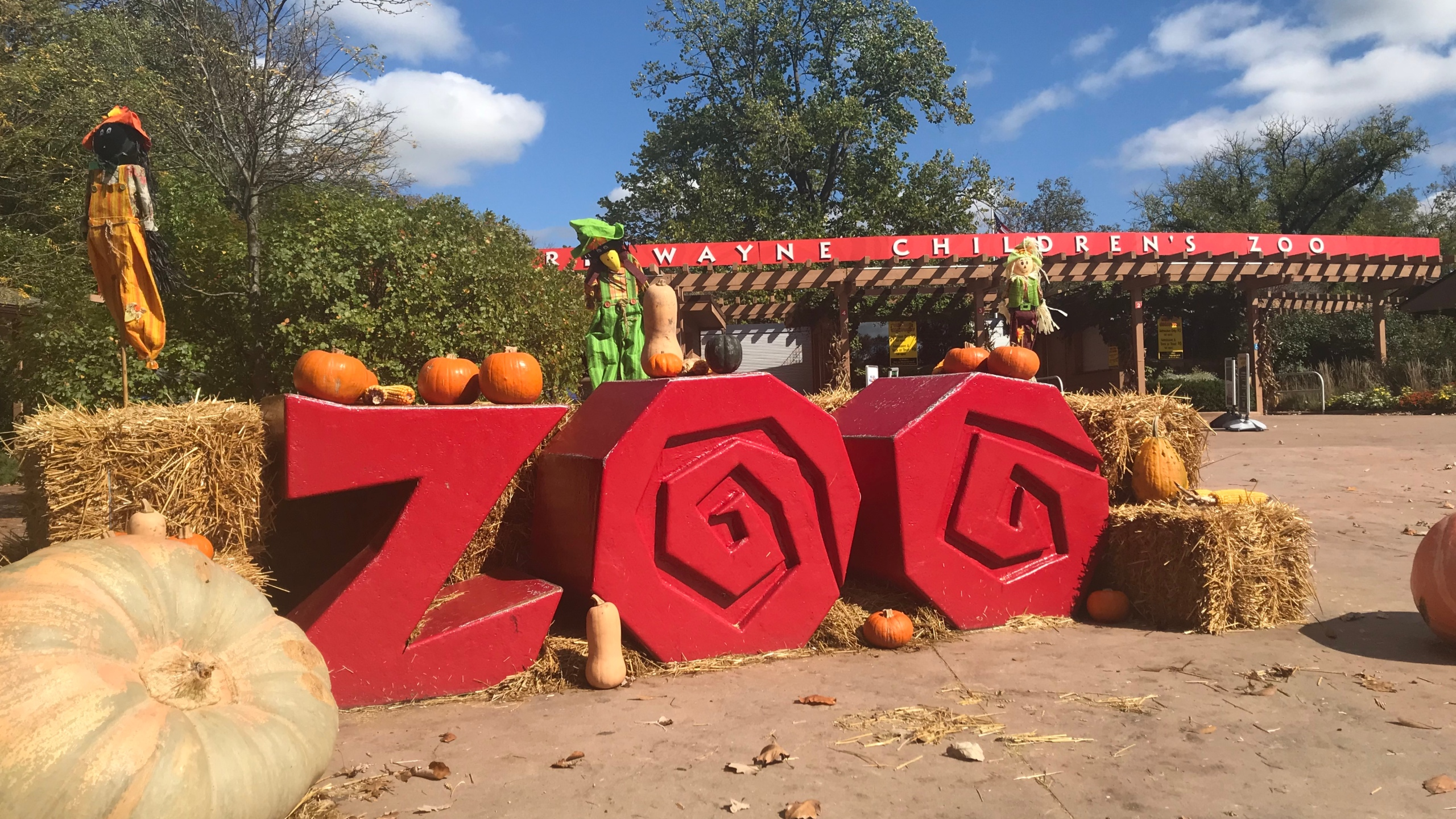 Wild Zoo Halloween sign