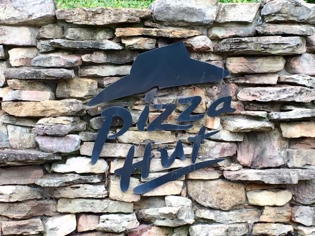 Pizza Hut_1538507969322.jpg.jpg