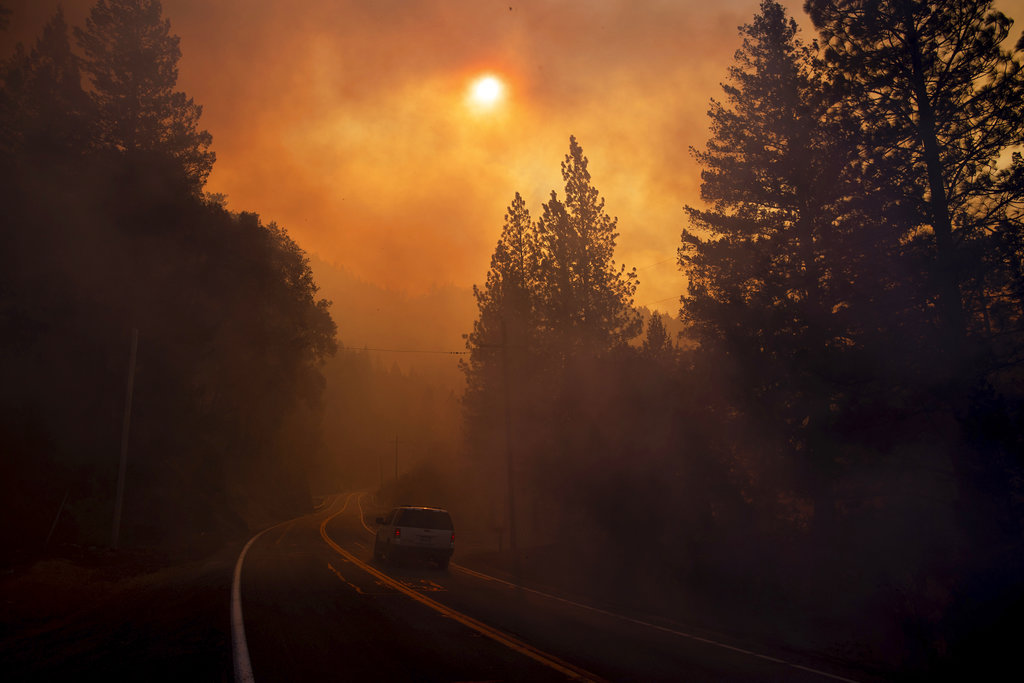 APTOPIX California Wildfires_1541993989118