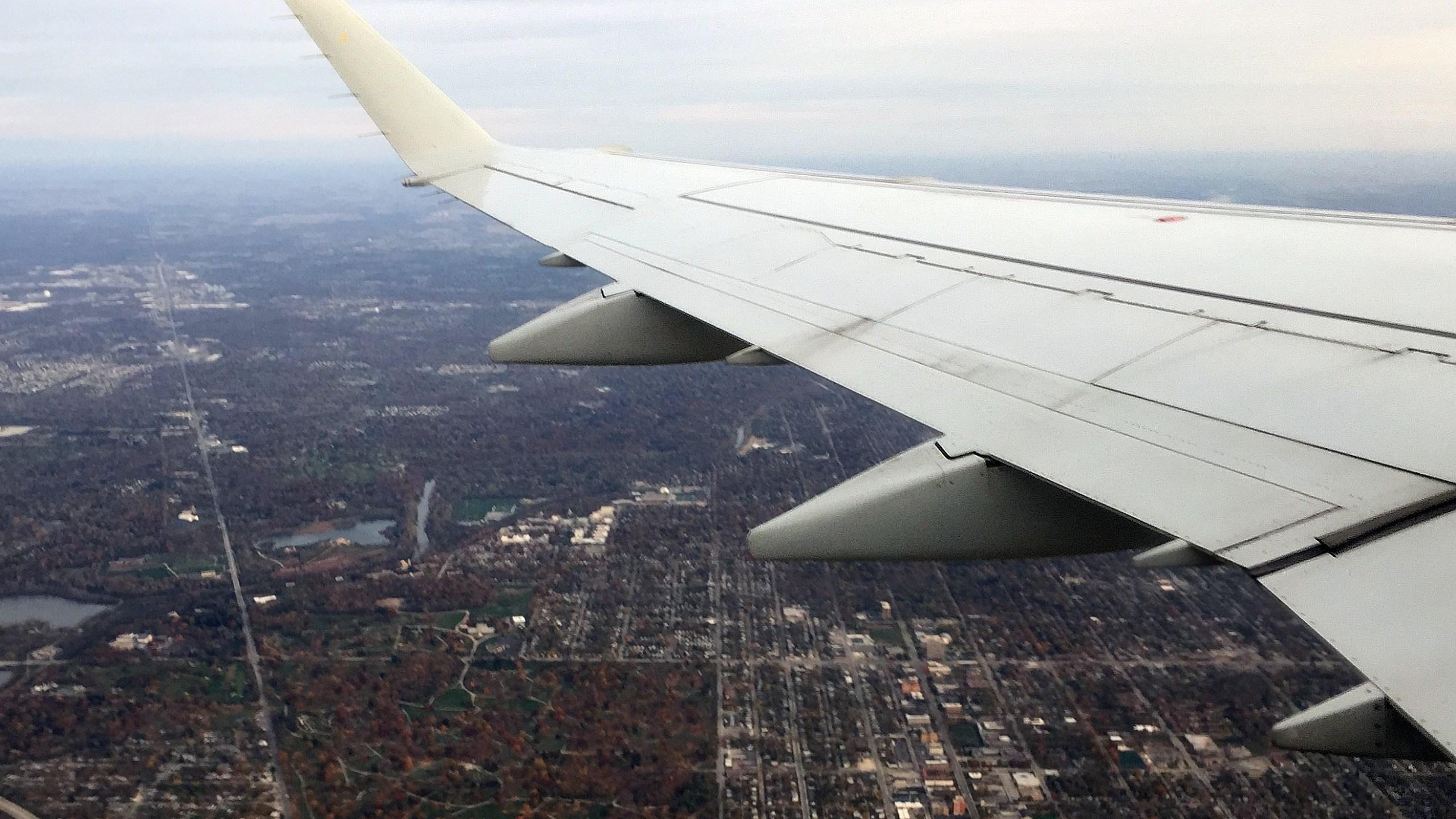 airplane jet liner airport air plane_310425