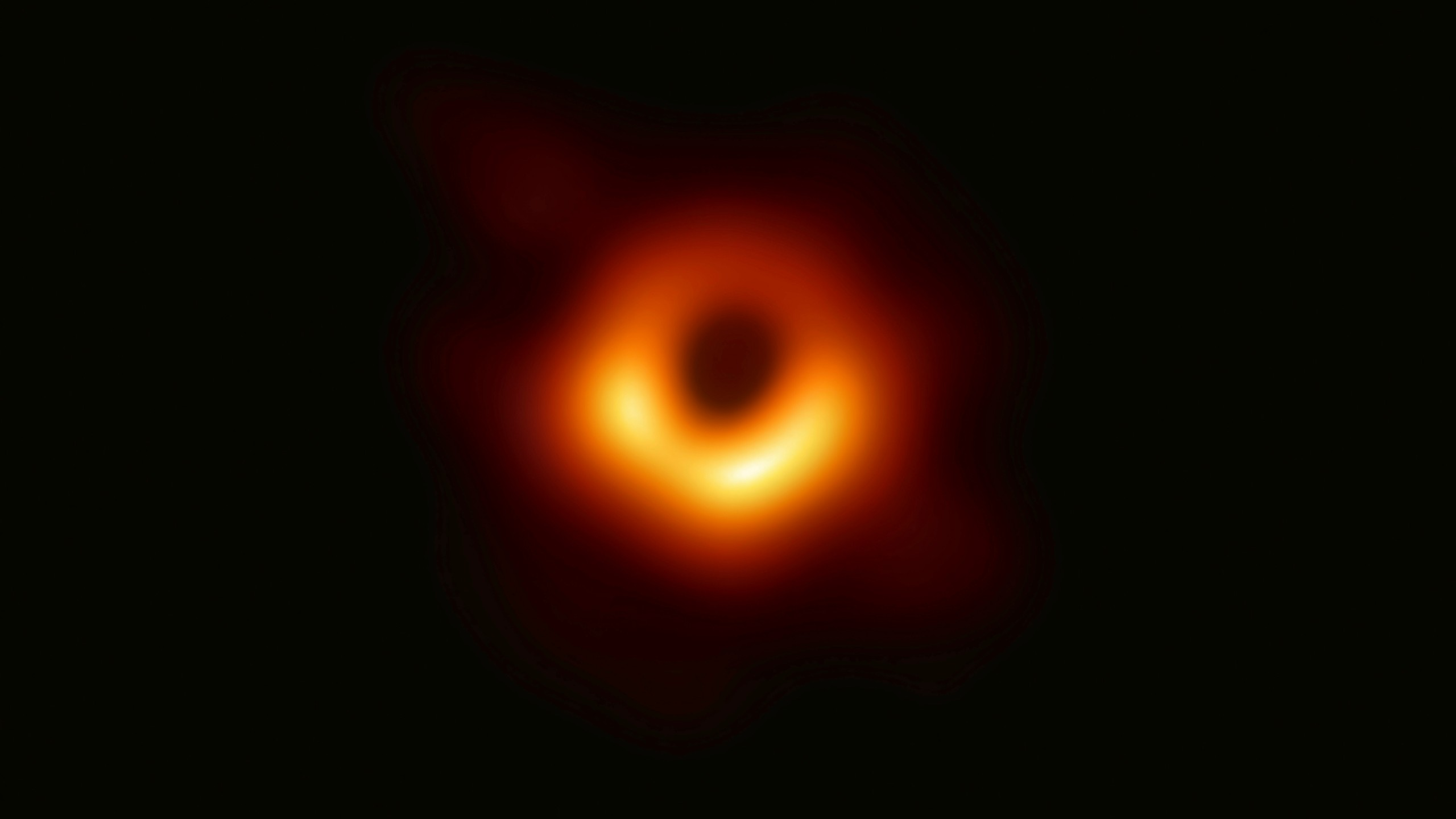 First Image of a Black Hole_1554902955669