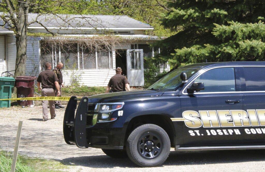 Woman Slain Child Suspect_1557348183189