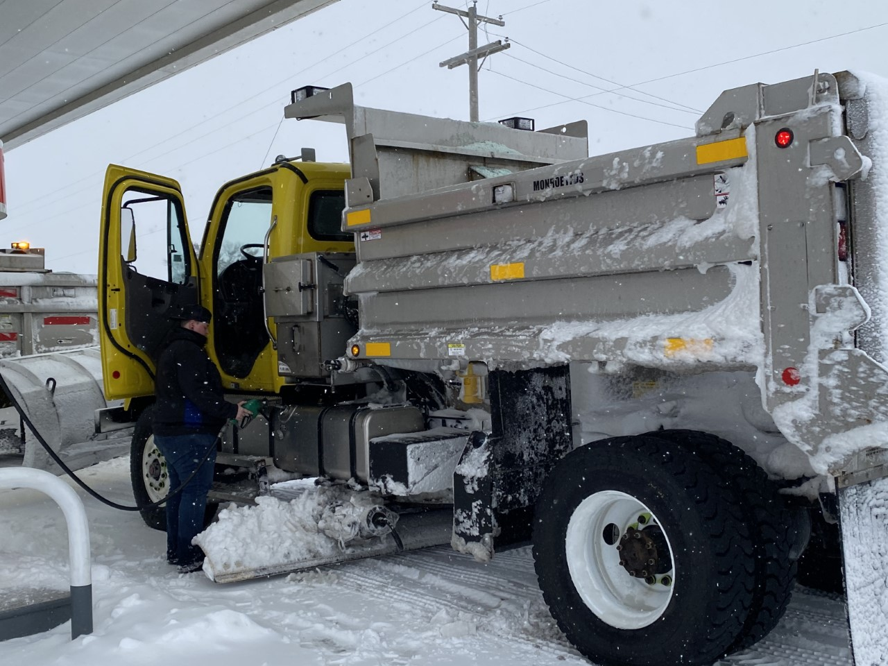 INDOT prepares streets and major roads for snowstorm