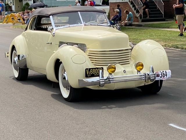 Auburn Car Parade of Classics